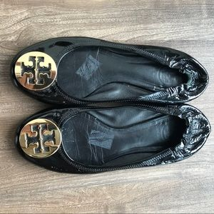 Tory Burch Minnie Flat Black and Gold